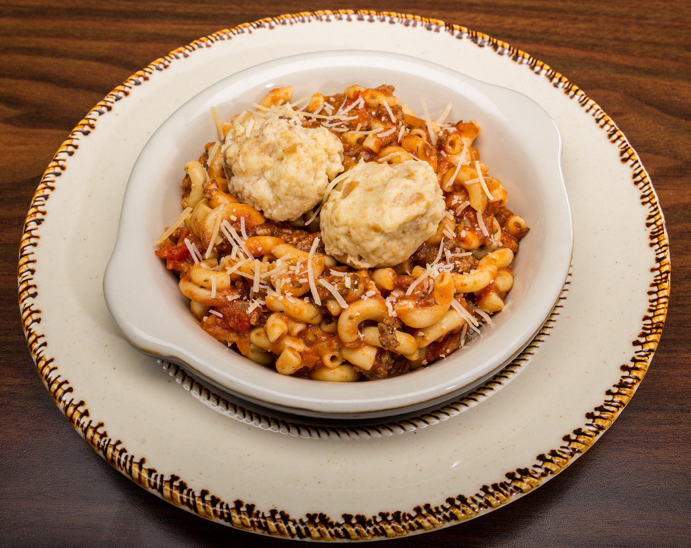 Goulash with dumplings 2-145297 w